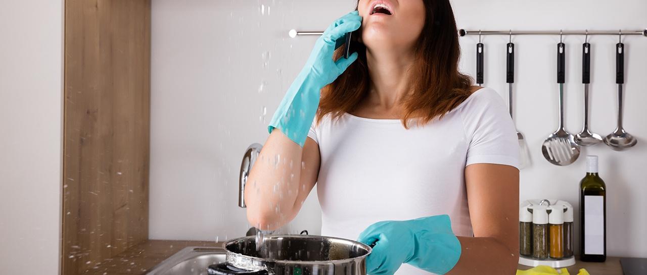 Vannlekkasje over kjøkkenet